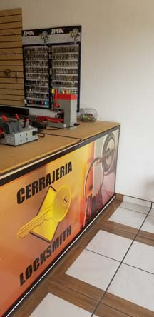 Locksmith Shop and Cell Phone Repair Center Ajijic